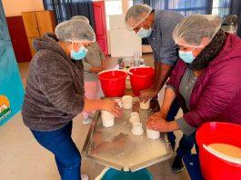 Crianceros de Canela participan en taller para mejorar la elaboración de sus propios quesos