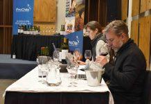 ProChile realiza cata de 104 botellas de vinos de Ñuble por 4 jurados para selección internacional