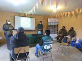 CONAF prepara a vecinos de Arauco para reducir riesgo de incendios forestales en su sector